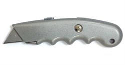 Нож пистолетный с выдвижн.трапециевидным лезвием STARTUL MASTER