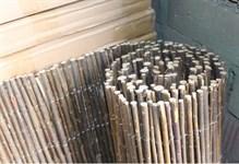 Забор из ивовых прутьев